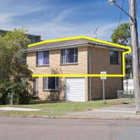 Dalwood', 1/43 Soldiers Point Road - top floor and perfect for small boat parking, hotel in Soldiers Point