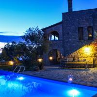 Castle With Pool, Panoramic seaview, Perfect location
