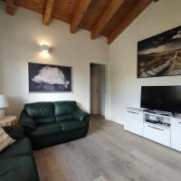 new luxury apartment with A/C, parking + Netflix/Sky, hotel Cerro Maggioréban