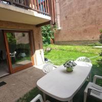 Briançon, Appartement avec jardin et terrasse., hotel in Briançon
