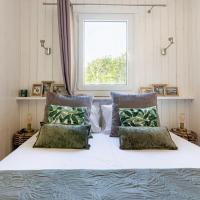 Les minis homes du Bugey - Eco-lodge Nature ,un refuge en hyper centre, hotel in Ambérieu-en-Bugey