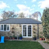 cosy cottage annex in Fairlop, hotel in Ilford
