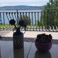Sea View apartment, hotel in Ankaran