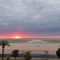390, Promenade des Anglais - VUE MER PANORAMIQUE, hôtel à Nice près de: Aéroport de Nice-Côte d'Azur - NCE