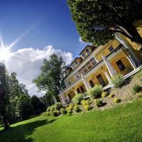 Kastiel Lucivna, hotel in Lučivná