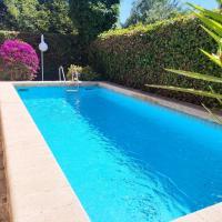 Casa con Jardin & Piscina, hotel in Roda de Bará