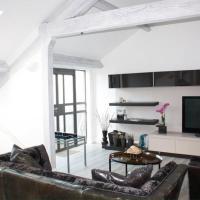Stylish 2 bedroom penthouse city centre apartment