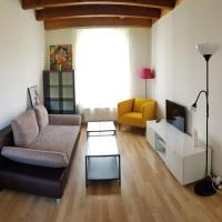 HSH - 2 Bedroom Suite Apartment with Office, Salon and Kitchen - Weber 21 in Bern