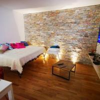 Maison Small Luxury ( planxa,suite,solarium,jacuzzi,pas de vis à vis)