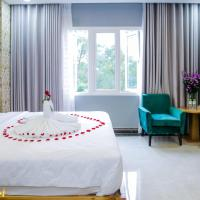 Silk Hotel near Tan Son Nhat Airport, hotel in Ho Chi Minh City