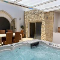 Villa Caerus, hotel in Paphos City