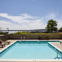 The Harborfront Inn, hotel di Greenport