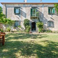 Inviting Cottage in Maniace with Private Garden