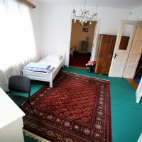 TOP Center Rooms- Studio