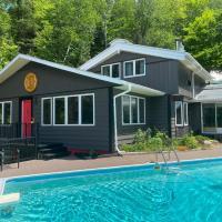 Chimo Cottage, hotel em Saint-Sauveur-des-Monts