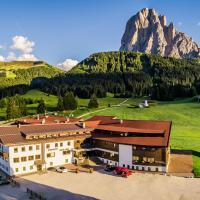 Monte Pana Dolomites Hotel, hotel in Santa Cristina Gherdëina