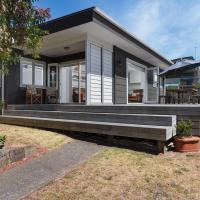 Modern Mount Escape - Mt Maunganui Holiday Home