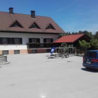 turistična kmetija pr mark, hotel in Trebče