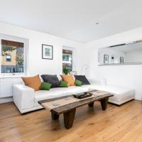 Elephant Court - Comfortable, spacious house with parking