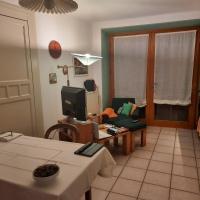 Alla Curva di Elia Manzoni, hotel in Malè