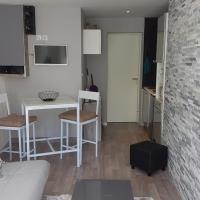 Asw Cyrille 58 – hotel w mieście Coutances