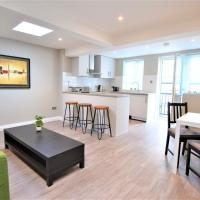 MODERN two bedroom NEXT TO BRIGHTON STATION