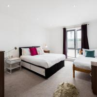 Large Central Ealing Apartment for Groups