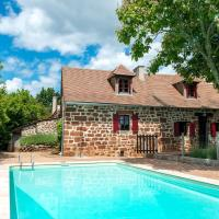 Peaceful Holiday Home in Teillots with Private Pool, hôtel à Teillots