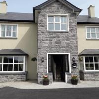 Beautiful 9 Bedroom home, hotel in Knock