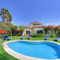 Torre Guadiaro Villa Sleeps 9 with Pool Air Con and WiFi