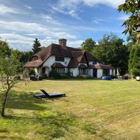 Chichester Retreat with Large Private Mature Garden