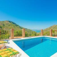 Villa con piscina privado en paraje natural unico