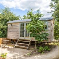 Perkins luxury shepherd huts