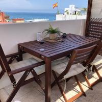 El Cortijuelo. Magnificent triplex terraced house with rooftop of 18m2, overlooking the sea. Parking