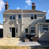 Buckland Heights - Bright Spacious House