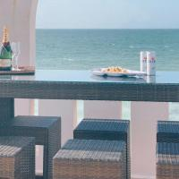 Beachfront townhouse, swimming-pool, in Chelem Centro