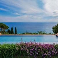 Villa Riviera