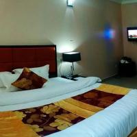 Royal Crest Hotel & suite, hôtel à Port Harcourt