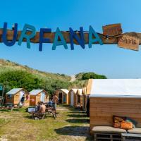 Surfana Beach camping hostel Bed & Breakfast Vlieland, hotel in Vlieland