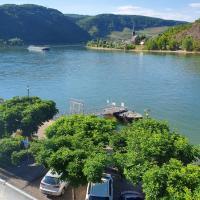 Große Wohnung mit Rheinblick