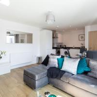 Self-contained town centre apartment Queensgate nr Marketfield by Helmswood Serviced Apartments, hotel in Redhill