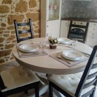 Traditional stone house, hotel near Sitia Public Airport - JSH, Sitia