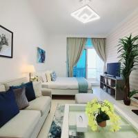Incredible Apartment With Marina And Sea Views