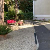Hotel Castel Fleuri, hotel in Cabourg