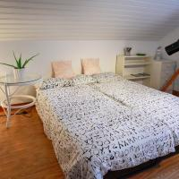 The Cozy Little House, hotel in Motala