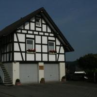 Ferienhaus Zur Ennest, hotel in Westfeld, Schmallenberg