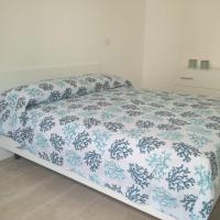 Nuovo appartamento in Centro a 200 m dal mare, hotell i Cirò Marina