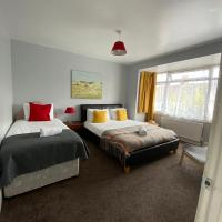 Ferndale Place - Huku Kwetu Luton- Spacious 4 Bedroom Suitable & Affordable Group Accommodation - Business Travellers