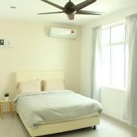 NEW SEAVIEW Cozy Modern Beach House, hotel di Tanjung Bungah