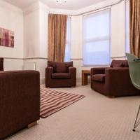 Cozy 3 Bedroom Apartment in Kew Gardens